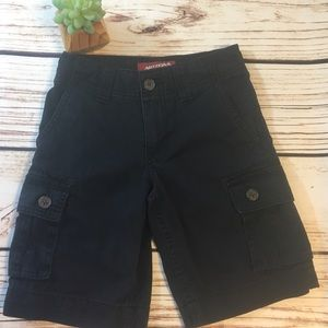 🦍Sold Black Big Boys Cargo shorts size 8 GUC